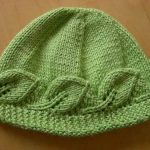yeşil-renkli-yaprak-desenli-örgü-bere-modeli