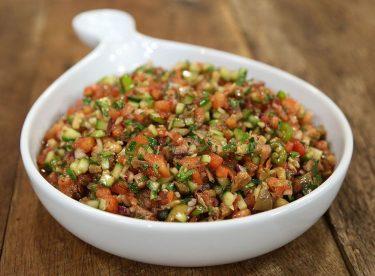 Zeytinli Kaşık Salata Tarifi