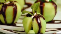 Çikolata Soslu Elma Tatlısı