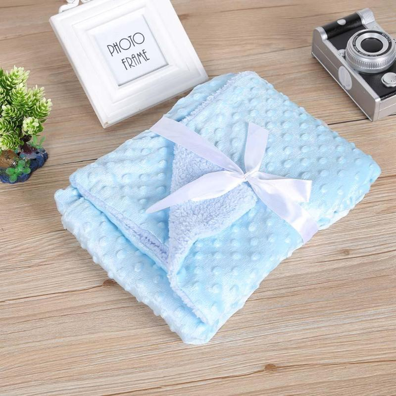 mavi renkli bebek battaniyesi modeli