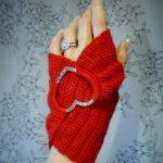 Kırmızı Renkli Örgü Bayan Eldivenleri Yapımı