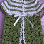 Yeşilin Güzel Tonu Yelek Modeli